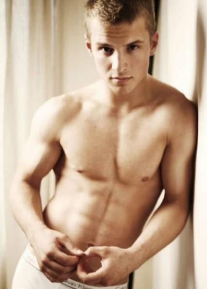 freddie stroma shirtless