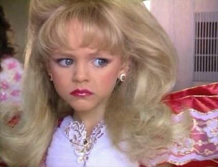 pageant girl side eye